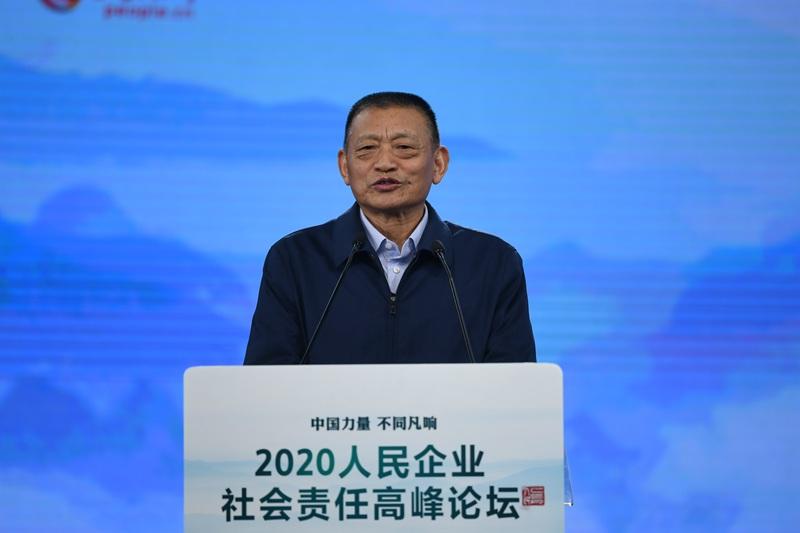 中国扶贫开发协会会长袁文先(人民网于凯、张启川摄)
