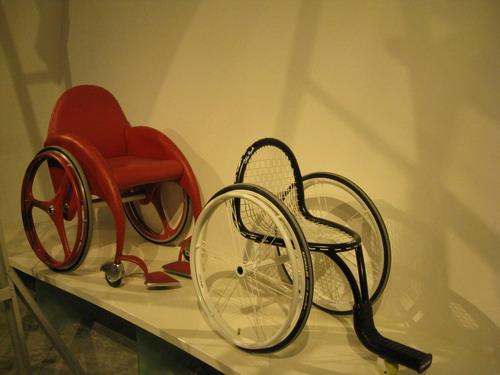 生命阳光馆展出的运动轮椅
